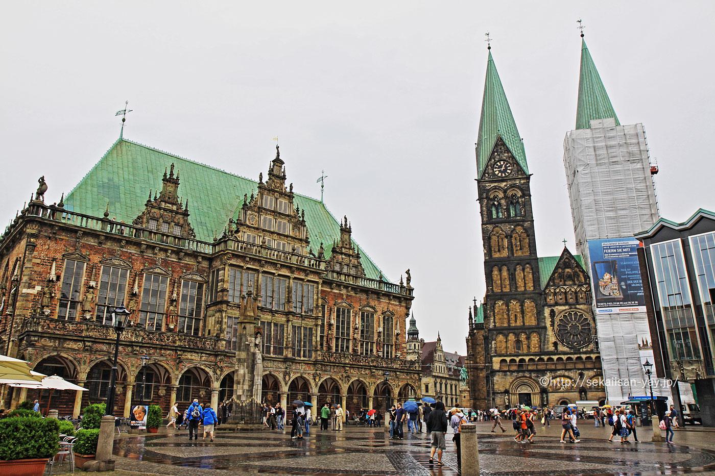 ドイツの世界遺産「ブレーメンのマルクト広場の市庁舎とローラント像」