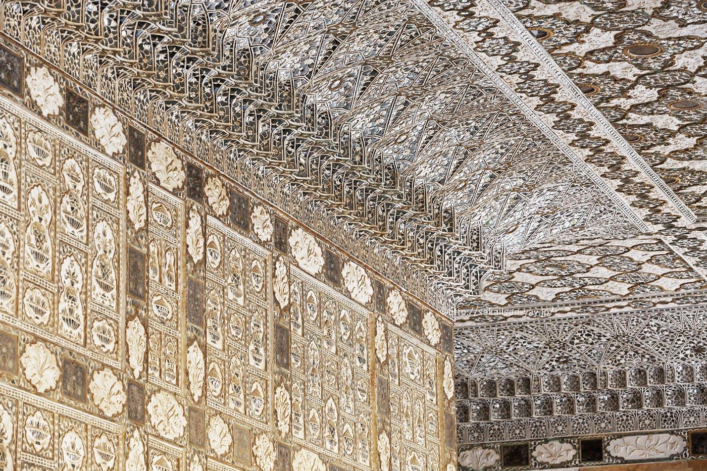 ラージャスターンの丘陵要塞群(ジャイプールのアンベール城)- 鏡の間(シーシュ・マハル)
